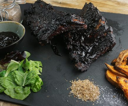 Chinese spareribs met barbecuesaus